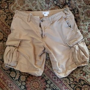 Men's Gap khaki cargo shorts size 34